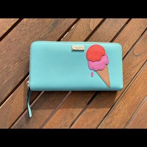 Cute Kate Spade leather wallet lightly used